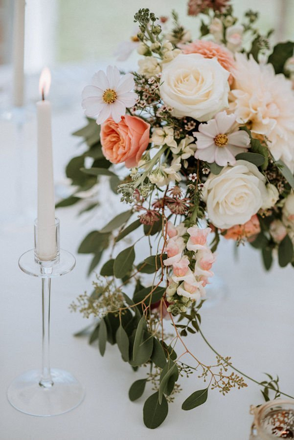 Romantic theme wedding centerpiece